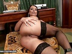 Beauteous Candy Strong shows her tainted parts in advance she masturbates
